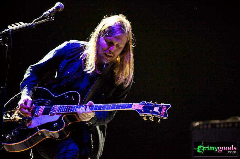 BAnd of skulls at staples center photos
