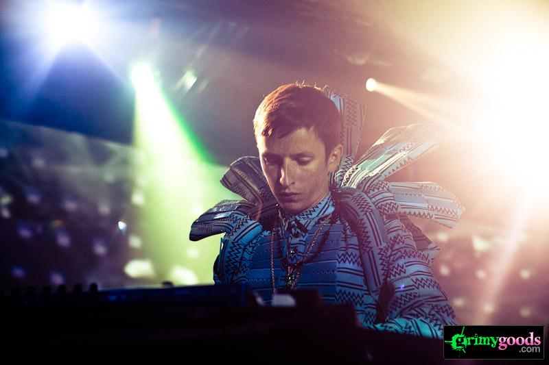 Totally Enormous Extinct Dinosaurs band photos