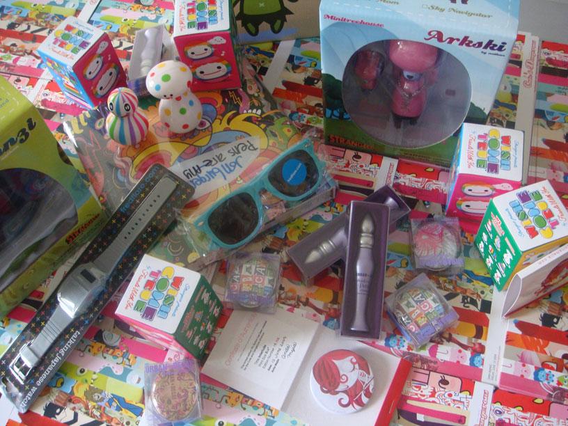 cuteanddangerous-prizes